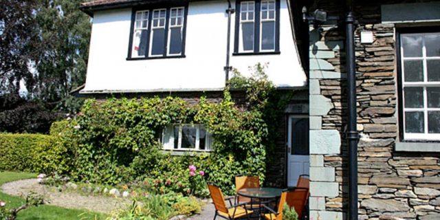 Brookwood Cottage Outside